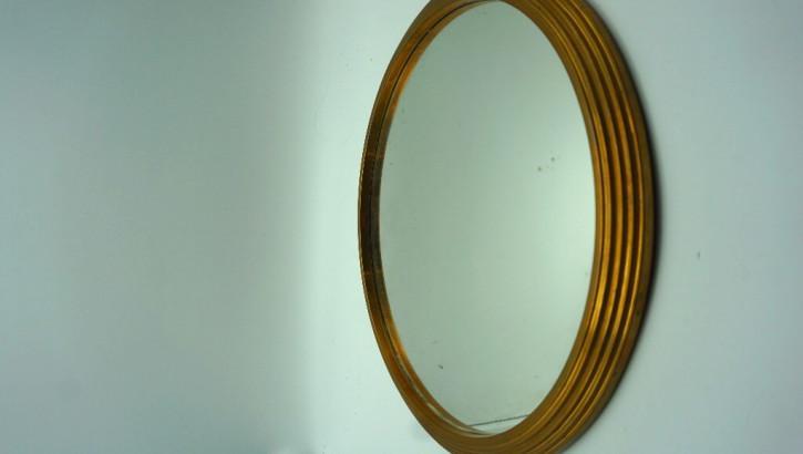 Runder goldener Spiegel Antike Vintage