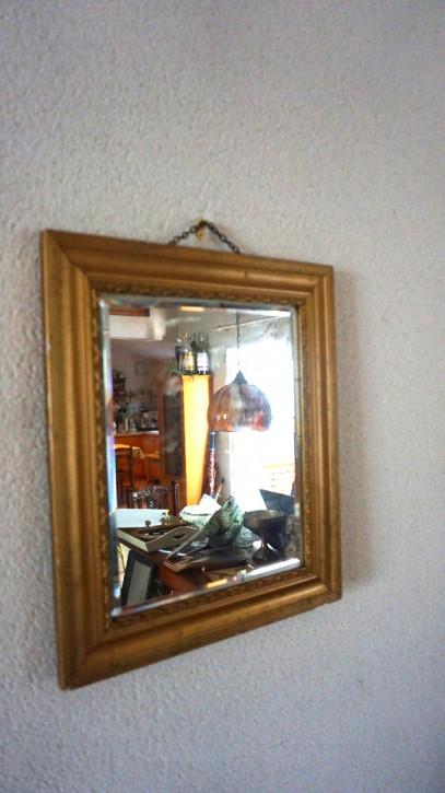 Spiegel mit goldenem Rahmen  Facettenschliff