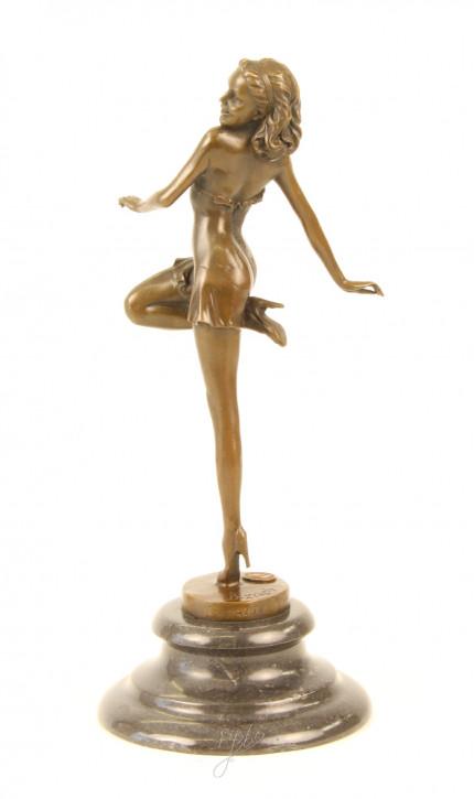 """Erotische Dame"" Bronze Statuette"