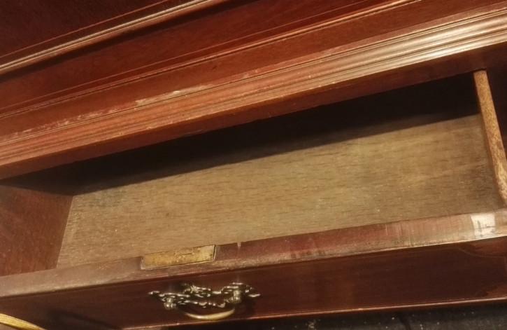 Edwardian Wäscheschrank aus Mahagoni