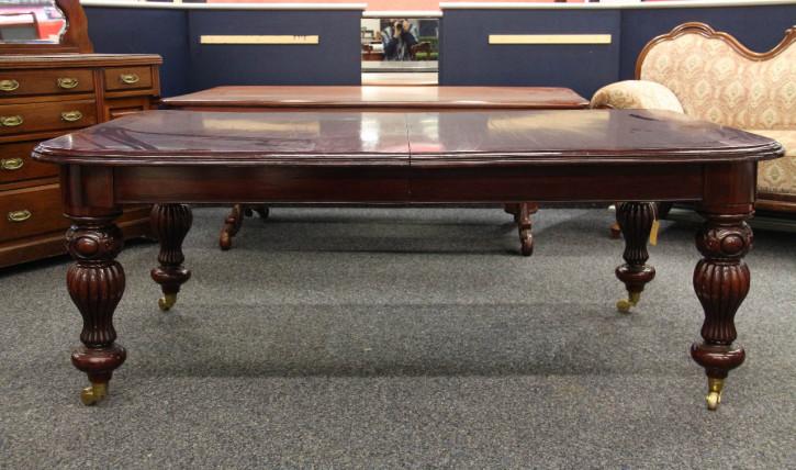 Großer Mahagoni Esstisch  Konferenztisch für 12 Personen