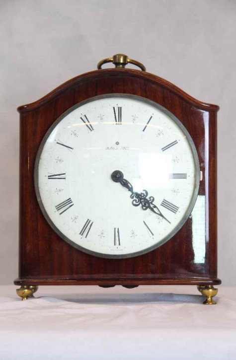 Antike Uhr mit Holzgehäuse