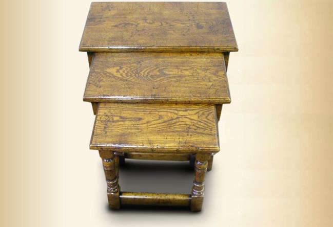 Landhaus Nest of Tables
