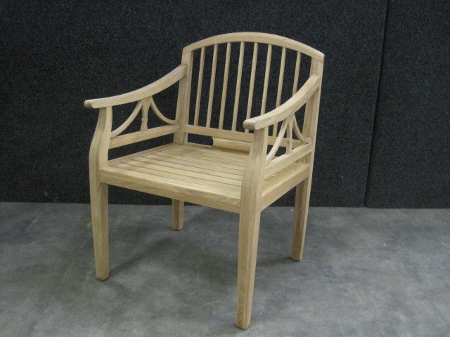 Oak Bank - Bench with arm