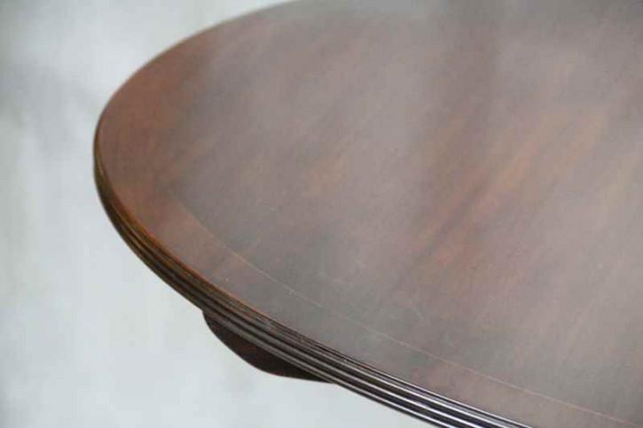 Esstisch Mahagoni Oval handpoliert