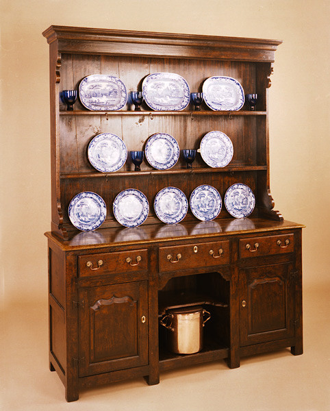 Enclosed High Dresser