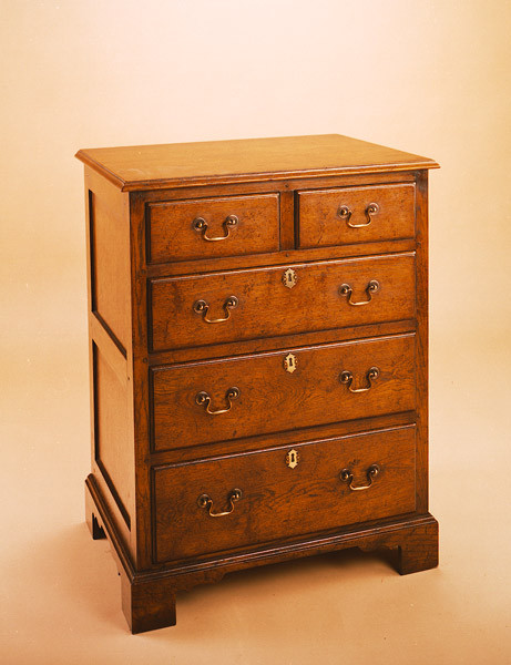 """Joined Chest of Drawers"" - kleine Kommode"