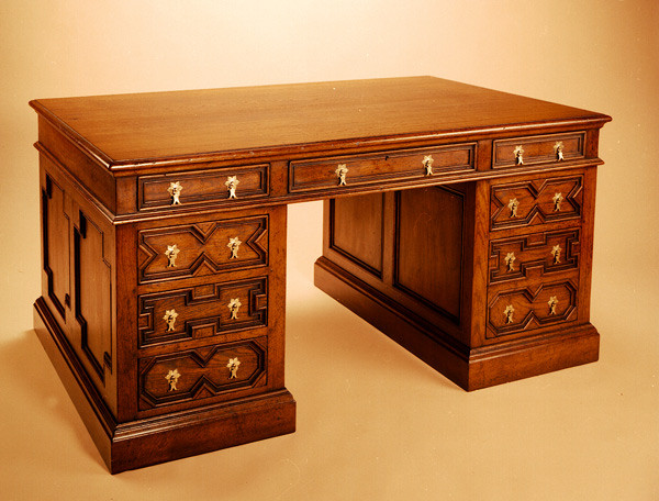 Pedestal Desk - Geometrical Mouldings