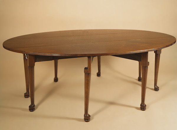 Joined Double Pad Foot Gateleg Table