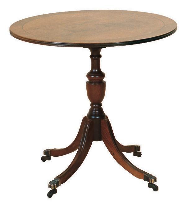 Kleiner, runder Wine Table