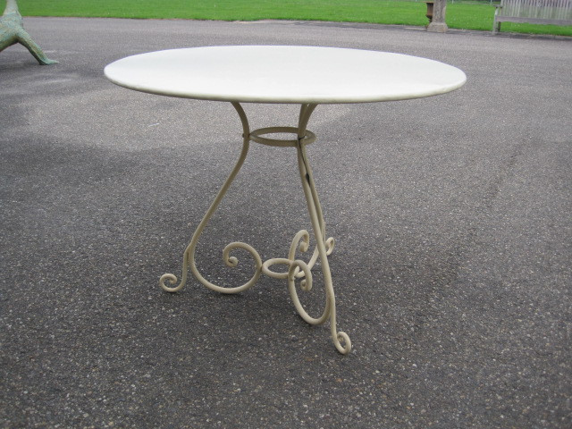 Table Preiqieux round