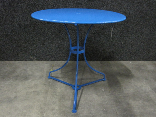 Table Dijon round