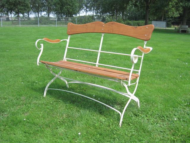 """Klassische Gartenbank Holz """"Avignon"""""""