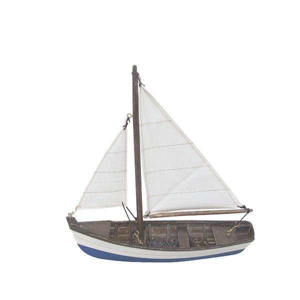Fischerboot, Holz mit Stoffsegel, L: 19cm, H: 20cm
