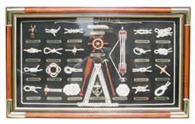 Knotentafel hinter Glas, Holz/Messing, 51x31cm - Knotennamen in FRANZÖSISCH