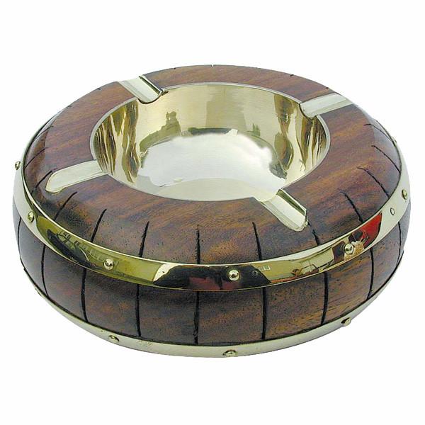 Aschenbecher im Faßdesign, Holz/Messing, H: 4,5cm, Ø: 12,5cm