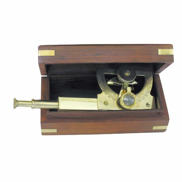 Winkel-Sextant, Messing, L: 18cm, in der Holzbox