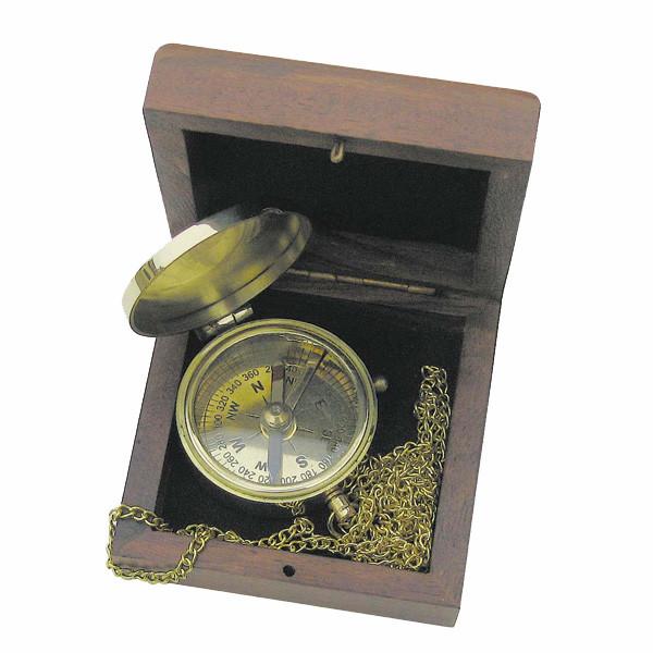 Taschenkompaß mit Kette, Messing, Ø: 5cm, in der Holzbox