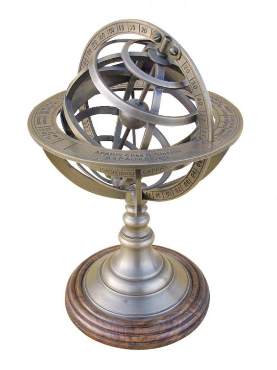 Armillarsphäre, Messing antik auf Holzsockel, H: 21,5cm, Ø: 14cm