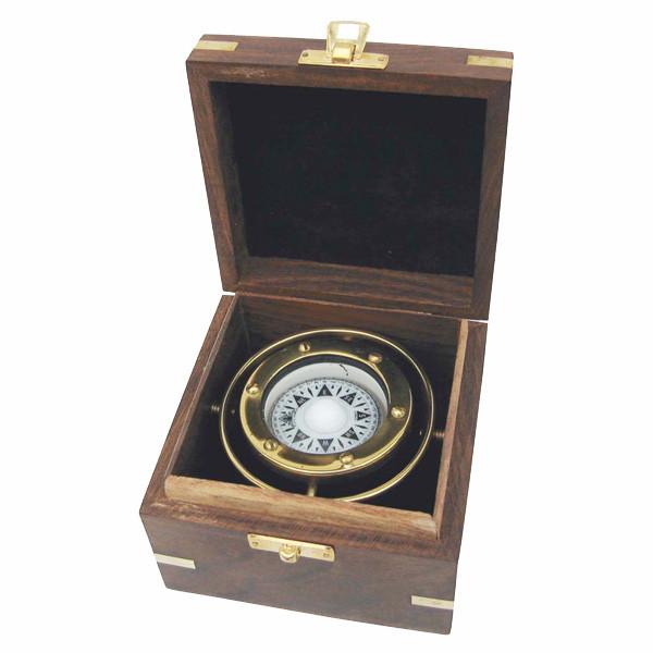 Kompass, Messing, Ø: 6,5cm, kardanisch aufgehängt, in der Holzbox, 11,5x11,5x8,5cm