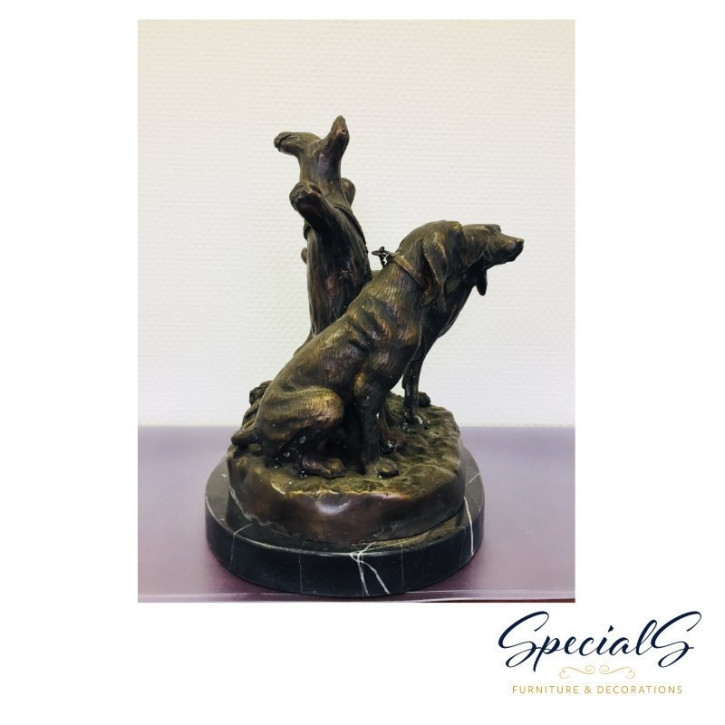 """Hunde auf Marmorsockel"" Bronzefigur"