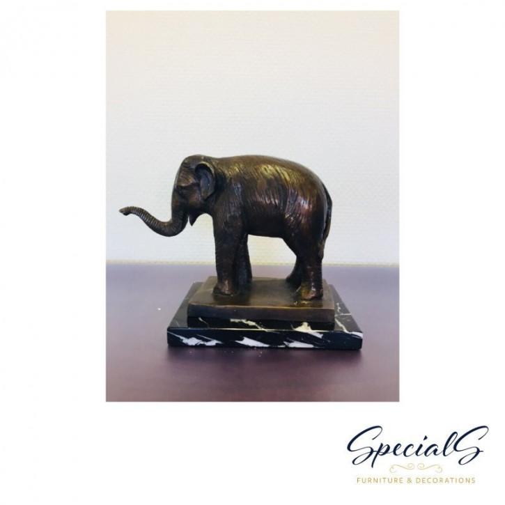 """Elefant auf Marmorsockel"" Bronzefigur"