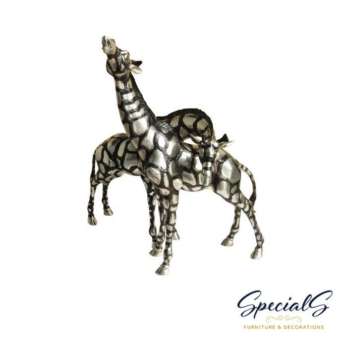 """""""Zwei Giraffen"""" vernickelte Bronzefiguren mit handbemalten Details"""