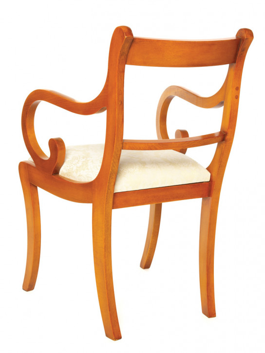"""Sabre Leg Carver"" Esszimmer Stuhl in Eibe - ebenfalls in Mahagoni erhältlich"