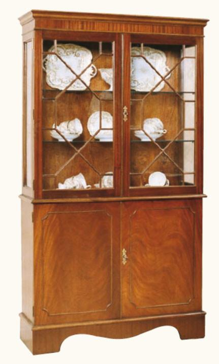 """Große Display Cabinet Vitrine"" in Mahagoni - ebenfalls in Eibe erhältlich"