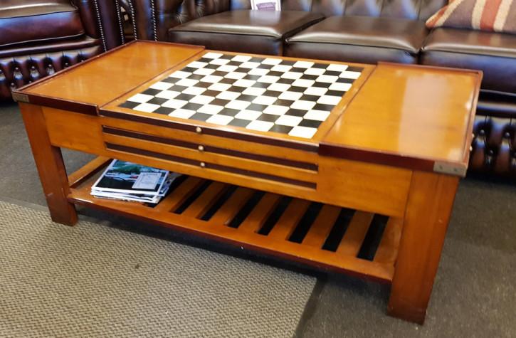 Spieltisch aus Massivholz, Beistelltisch, Wohnzimmertisch, handgemacht