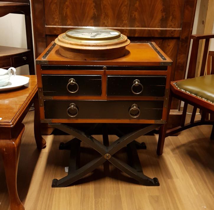 Bombay Box, Massivholz Beistelltisch, Spieltisch, handgefertigt