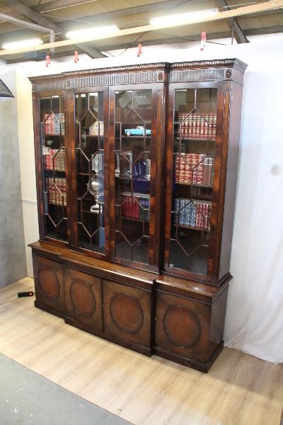Breakfont Bookcase im Victorian Style Original 1860 aus England