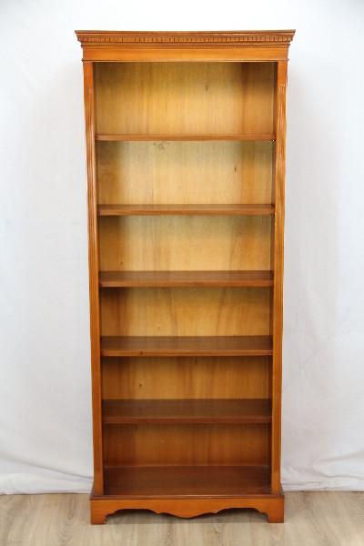 Eibe Bücherregal aus England mit verstellbaren Regalböden