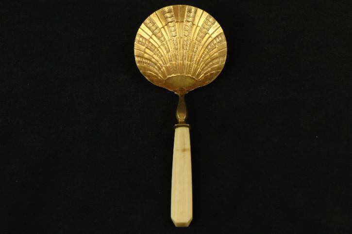 Löffel gold edel verziert Jakobsmuschel   France