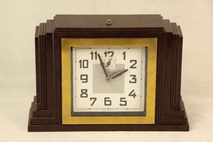 Uhr Bakelit Rot Bordeaux  Art Deco Original