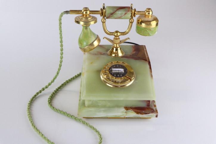 Antikes Telefon mit Wählscheibe, Marmor