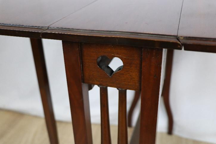 Aufklappbarer Tisch beidseitig  Sutherland Table Mahagoni