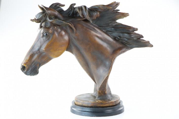 Antike geschnitzte Pferdekopf Figur aus dunklem Massivholz