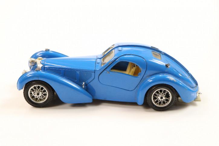 Antikes Automodell: Bugatti T57 Atalante, hellblau, ca. 1935