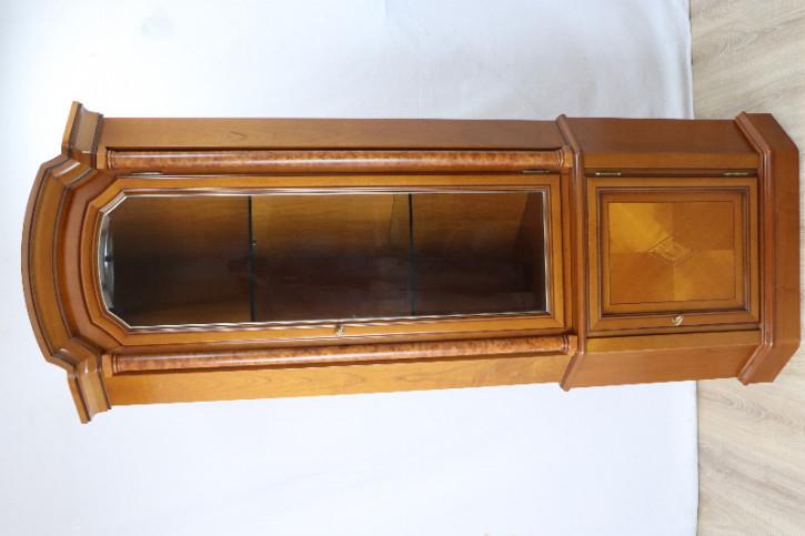 Corner Cupboard/ Vitrine Nussbaum