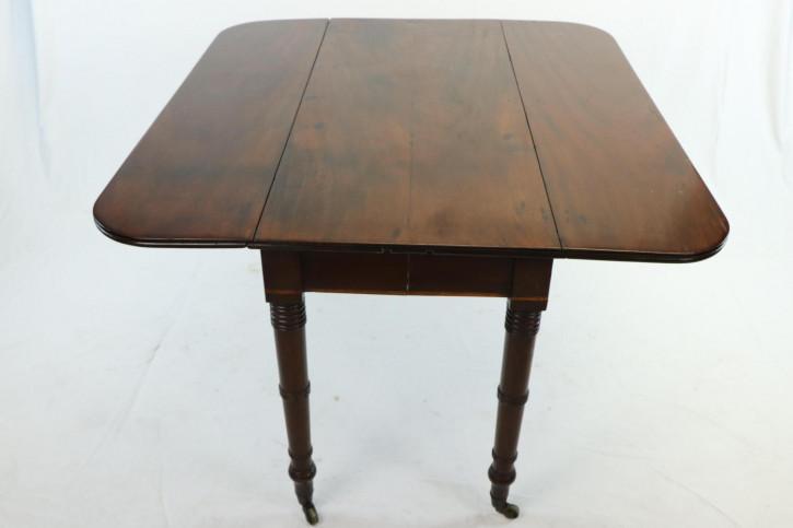 Pembroke Table / Esstisch, klappbar, auf Rollen