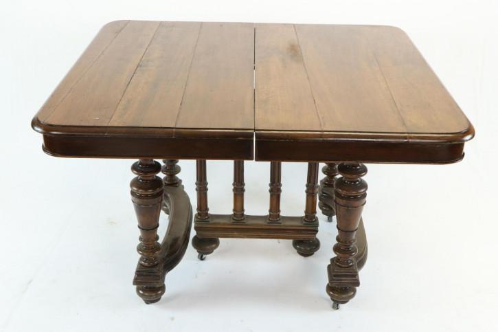 Massivholz Esstisch / Dining Table mit schönen Schnitzarbeiten