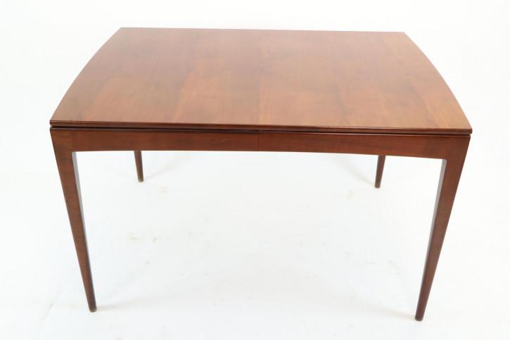 Ausziehbarer Esstisch mit extra Tischplatte, rechteckig, mit schöner Patina