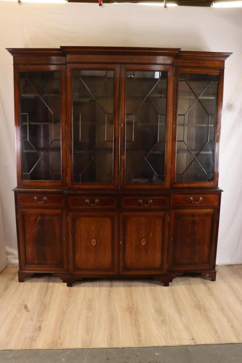 Schönes Breakfront Bookcase / Bücherschrank mit Regency Stil Verglasung