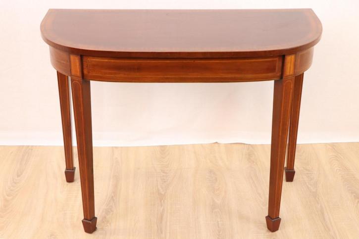 Schöner Beistelltisch / Side Table mit Intarsien