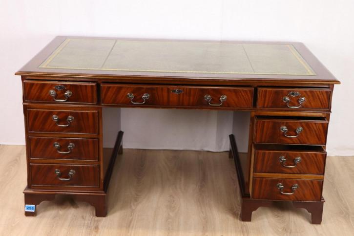 Klassischer Mahagoni Schreibtisch, Pedestal Desk, mit toller Patina