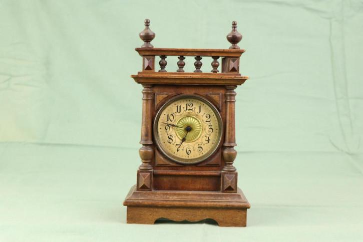 Antike Bracket Clock mit Holzgehäuse