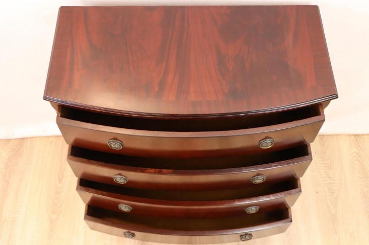 Wunderschöne Bow Front Kommode aus Massivholz im Edwardian Style