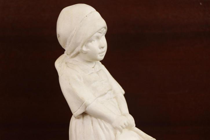 Keramik Figur Skulptur Mädchen mit Schüssel antik