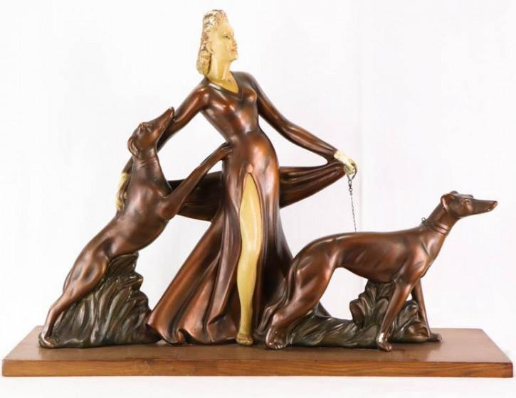 Antike Art déco Plaster Figur - Frau mit Windhunden, ca.1930